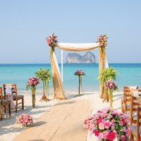 Destination weddings wedding packages beach weddings ideas more exclusive vow renewal offers junglespirit Images