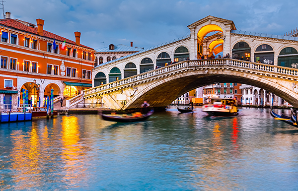 A European Wedding In Venice Places You City Filled With Hundreds Of Street Musicians Providing The Perfect Soundtrack For People Watching And