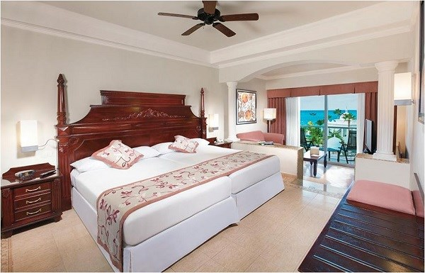 Room It Up RIU Fresh Bouquet Slippers
